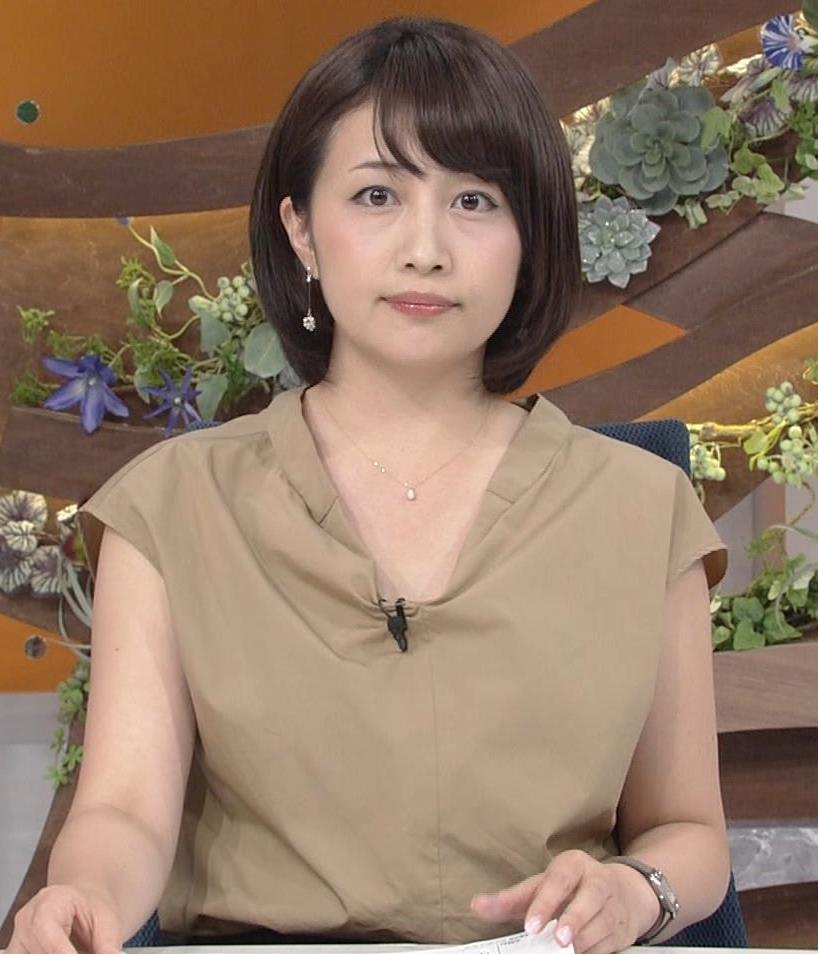 アナ 胸元が開いててエロいキャプ・エロ画像2
