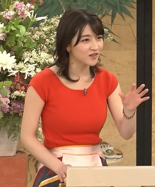 赤木野々花アナ 赤いピチピチの服キャプ・エロ画像2