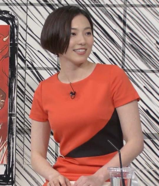 雨宮萌果アナ ショートカットがかわいいNHKの巨乳アナキャプ・エロ画像4