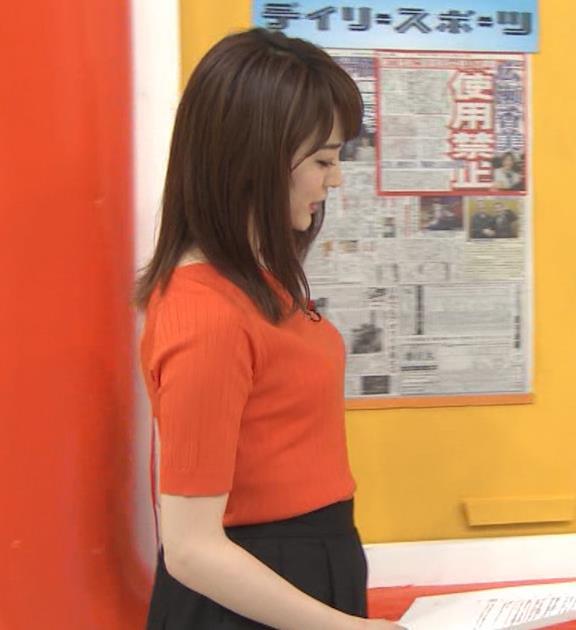 新井恵理那 クッキリ!ニット横乳キャプ・エロ画像3