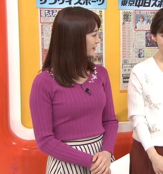 新井恵理那アナ 上向きニット横乳!キャプ・エロ画像4