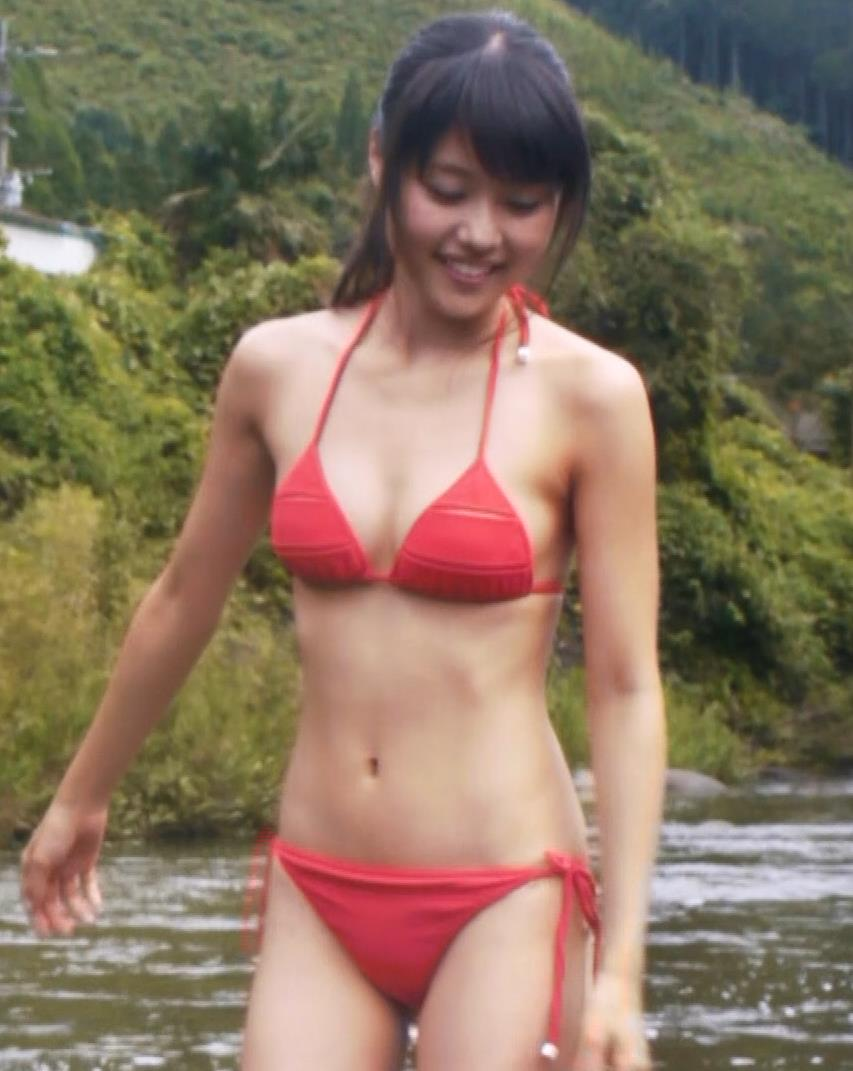 有村架純 伝説級、ビキニ乳激揺れ(GIF動画あり)キャプ・エロ画像8