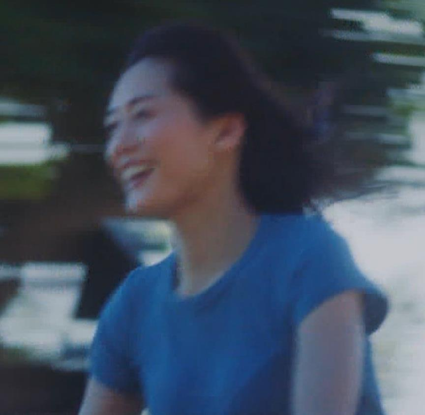 綾瀬はるか ワキ見せたり水着姿だったりエロいCMキャプ・エロ画像5