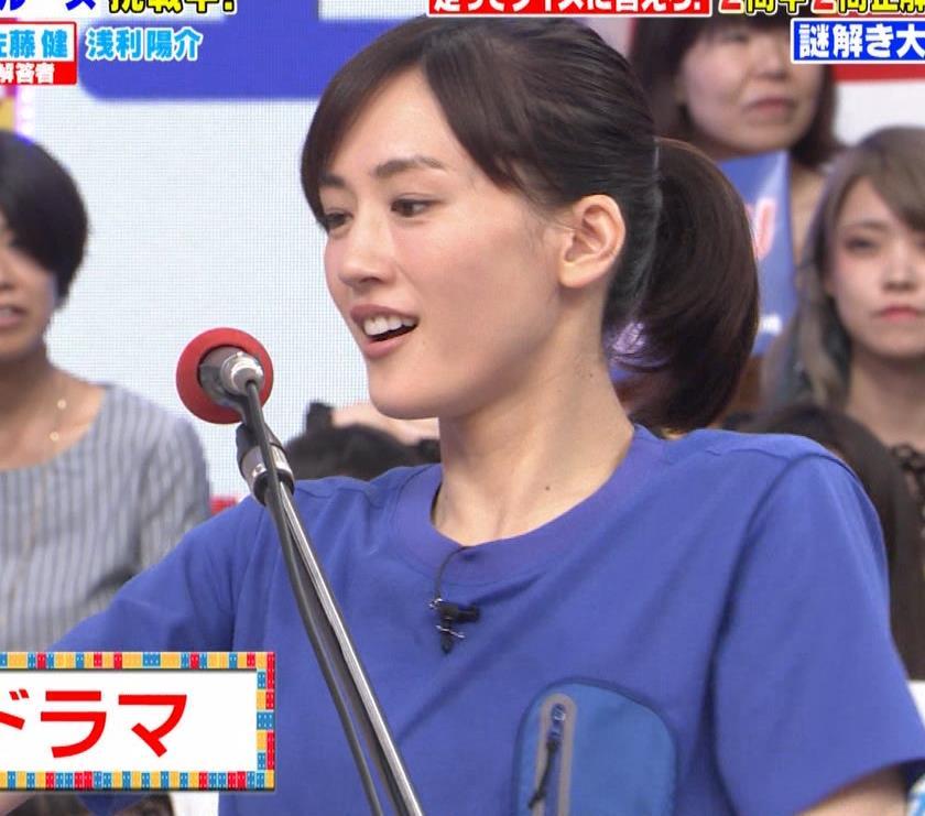 綾瀬はるか Tシャツおっぱいキャプ・エロ画像4