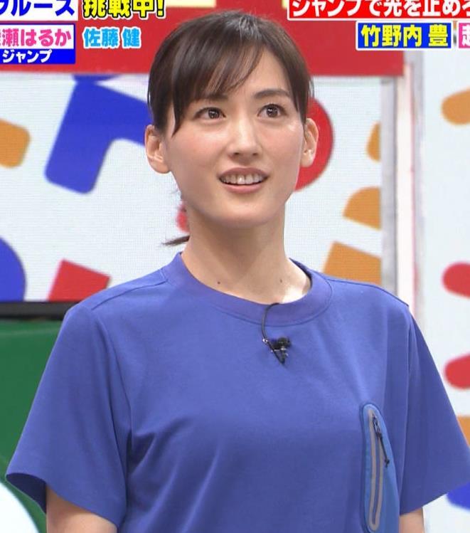 綾瀬はるか Tシャツおっぱいキャプ・エロ画像8