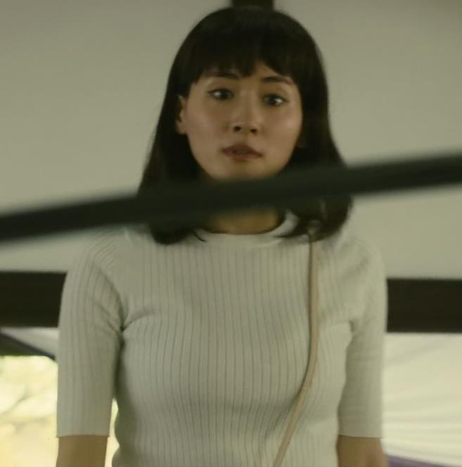綾瀬はるか やっぱ巨乳なニット横乳★キャプ・エロ画像9