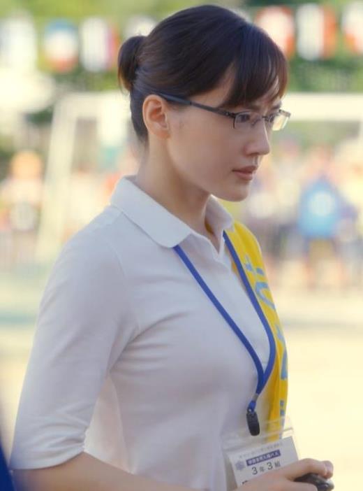 綾瀬はるか ピチピチシャツのおっぱいキャプ画像(エロ・アイコラ画像)