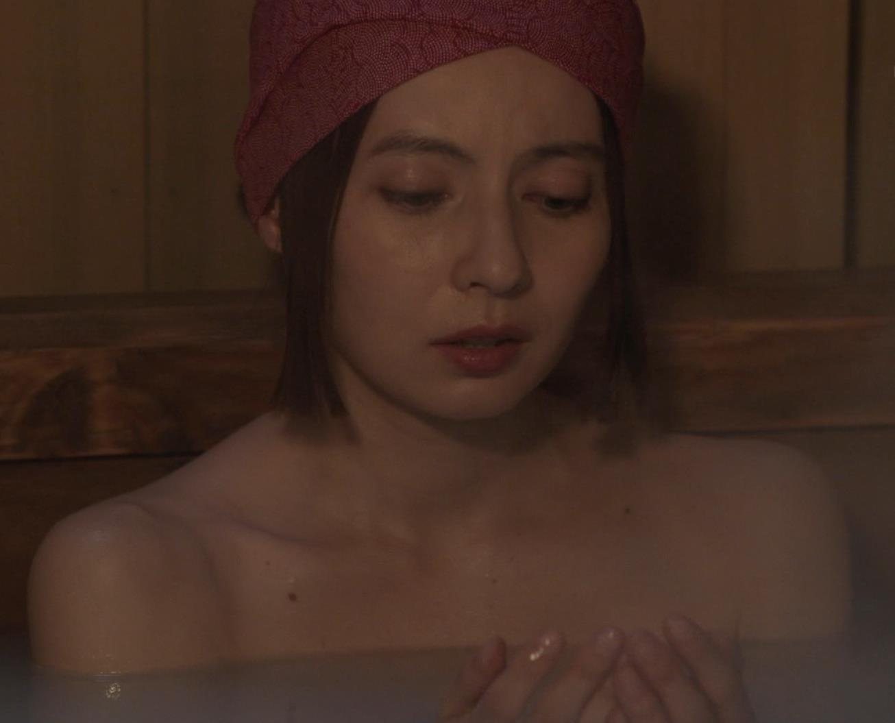 ベッキー 入浴シーン!!BSの変な時代劇キャプ・エロ画像19