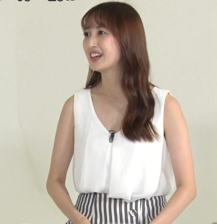 團遥香 またパンツが見えそう&白い胸元チラリキャプ・エロ画像5
