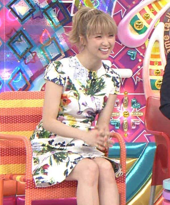 Dream Ami ミニスカ生足。かわいいポニーテールキャプ・エロ画像