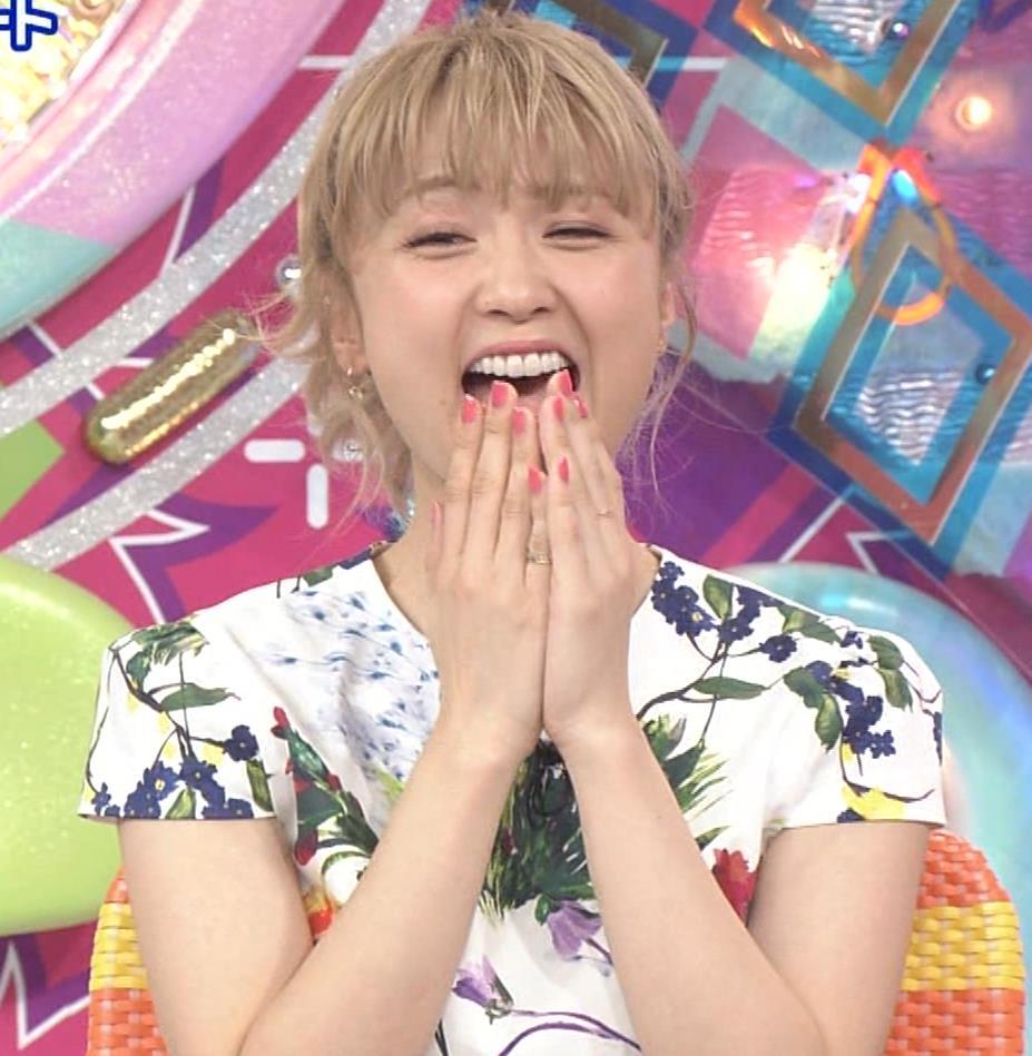 Dream Ami ミニスカ生足。かわいいポニーテールキャプ・エロ画像3