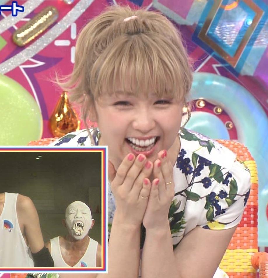 Dream Ami ミニスカ生足。かわいいポニーテールキャプ・エロ画像5