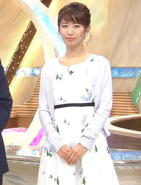 海老原優香アナ 女子アナにしては短いミニスカートキャプ・エロ画像6