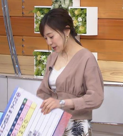 江藤愛アナ 胸元チラリのエロ過ぎ衣装キャプ・エロ画像5