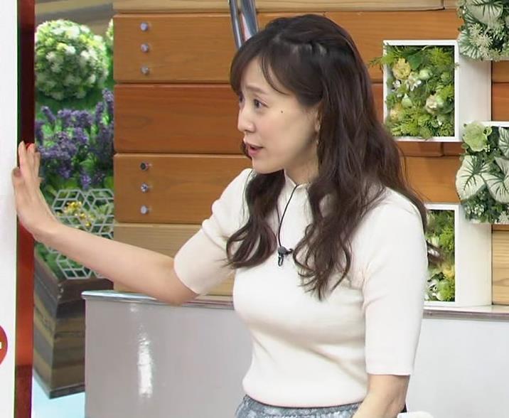 江藤愛アナ 胸がピチピチのニットキャプ・エロ画像4