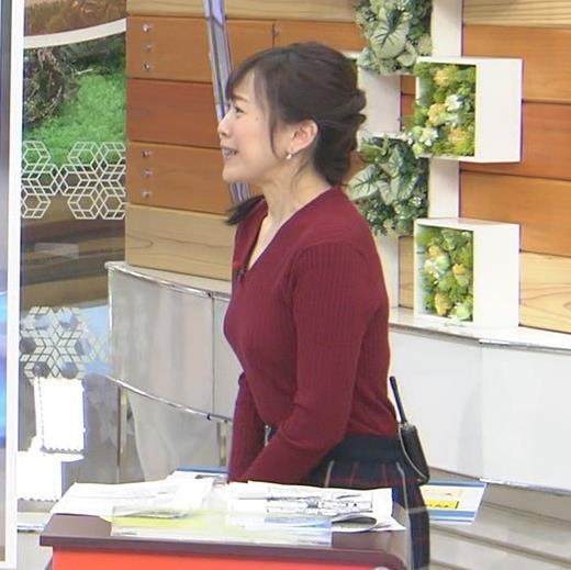 江藤愛アナ Vネックで前かがみキャプ・エロ画像3