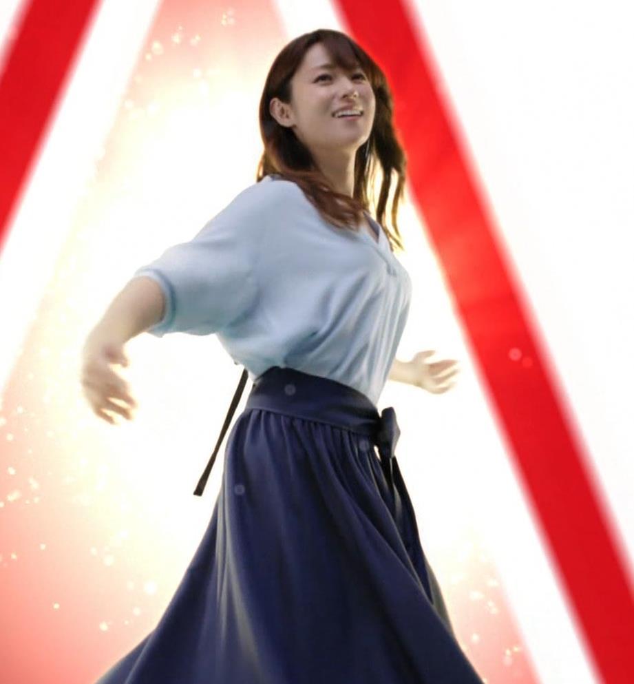 深田恭子 アリナミンのCMっておっぱい突き出しててエロいキャプ・エロ画像