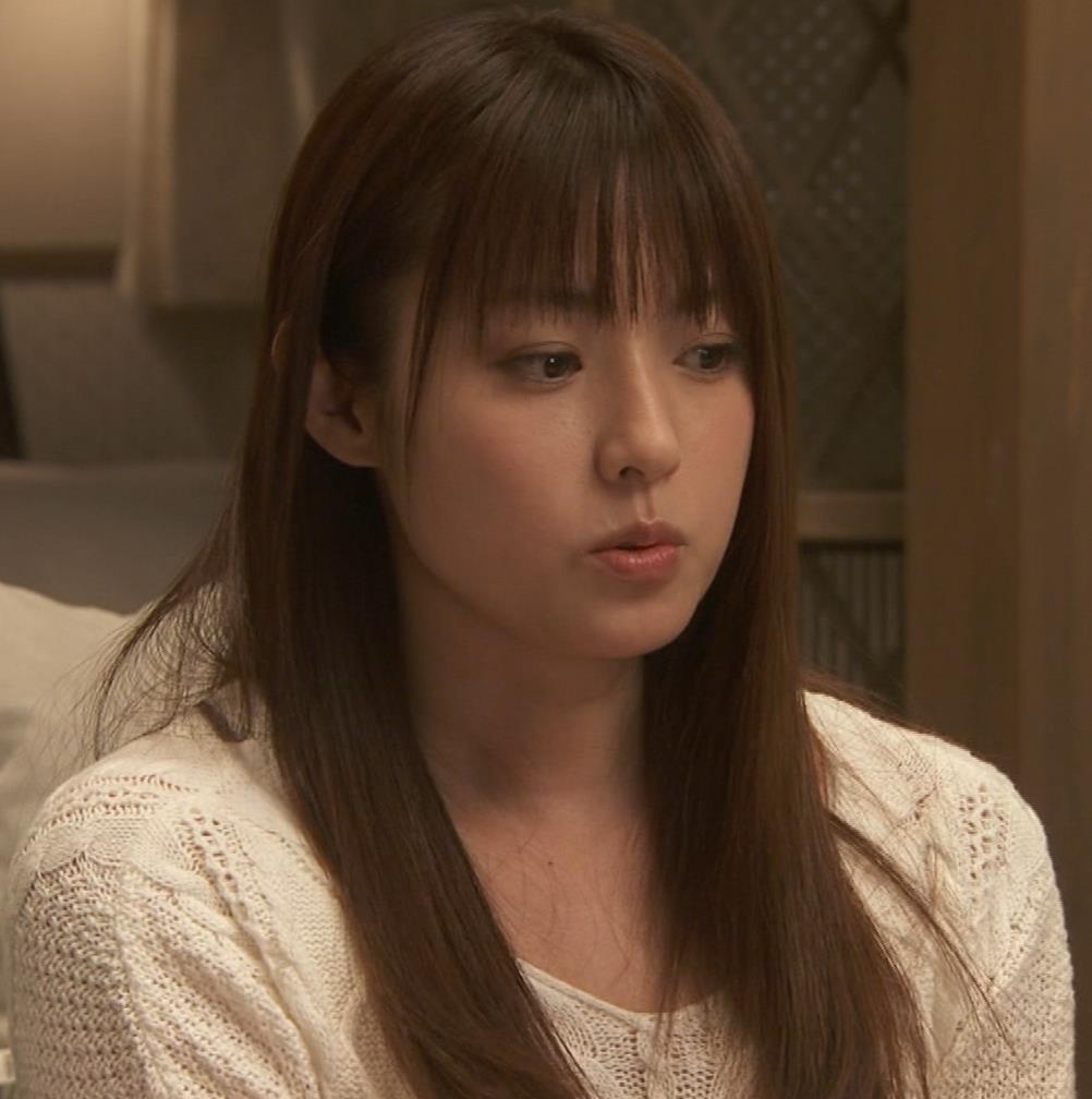深田恭子 入浴で裸にバスタオル巻いだけキャプ・エロ画像15