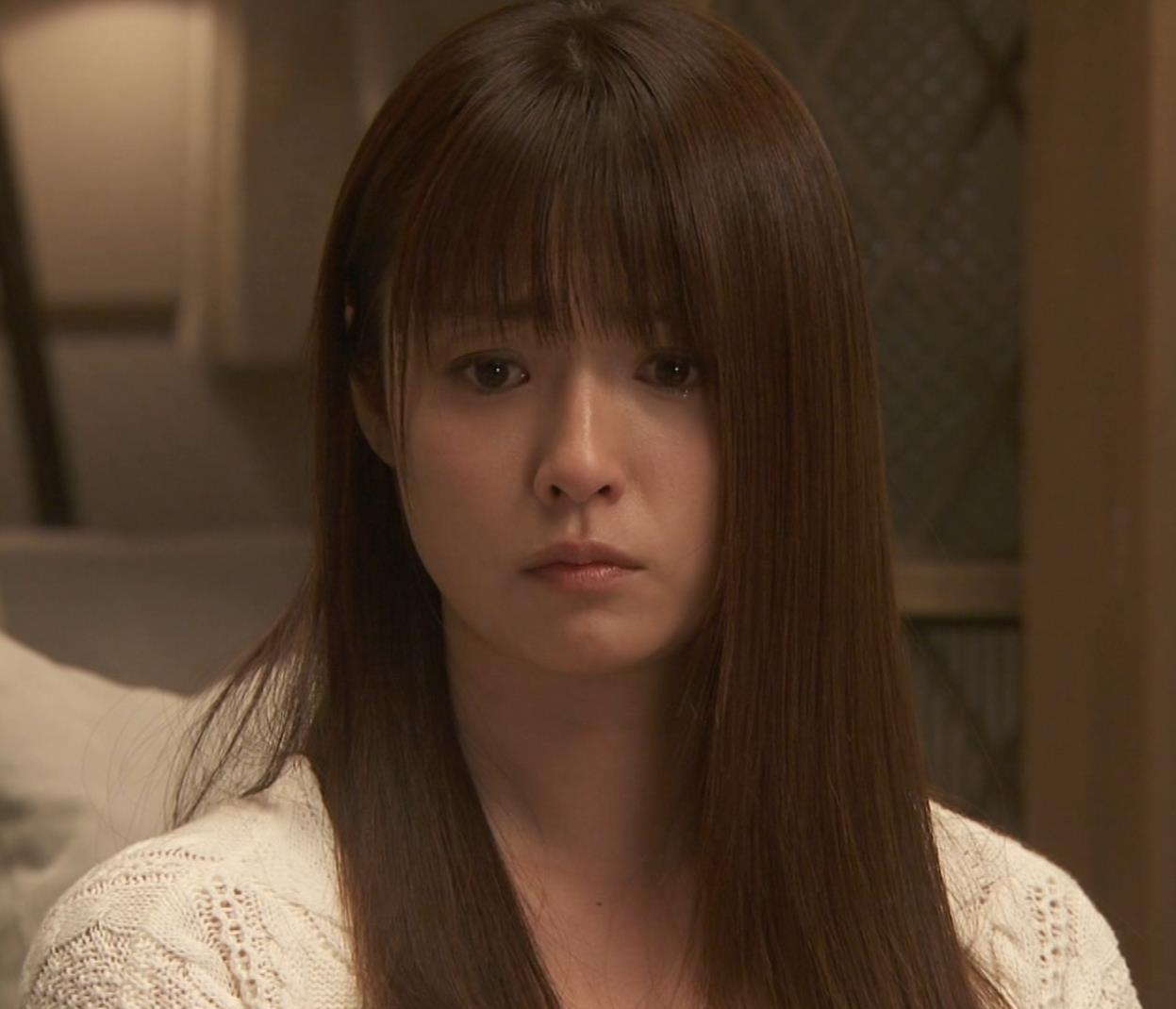 深田恭子 入浴で裸にバスタオル巻いだけキャプ・エロ画像17