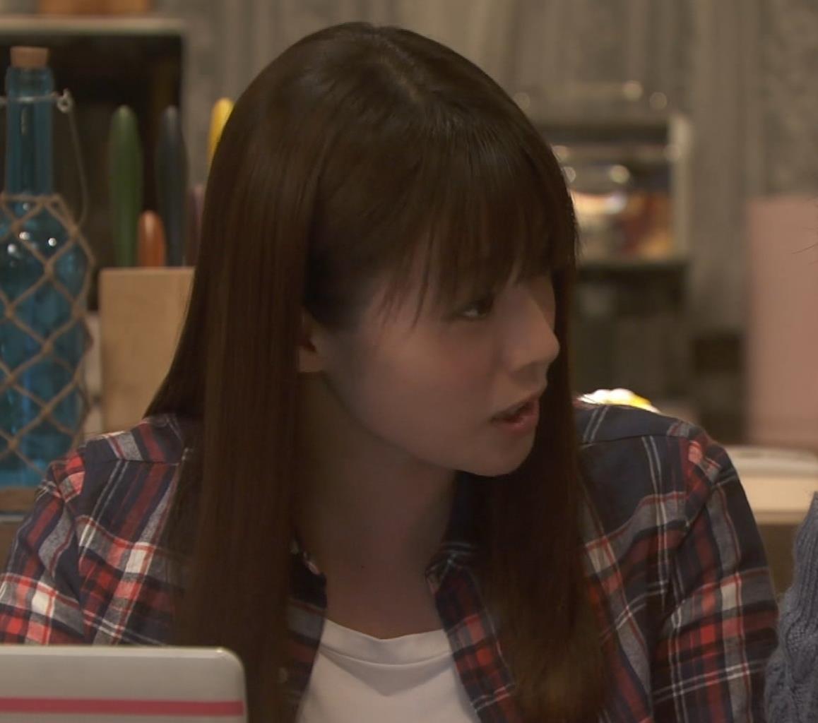 深田恭子 入浴で裸にバスタオル巻いだけキャプ・エロ画像3