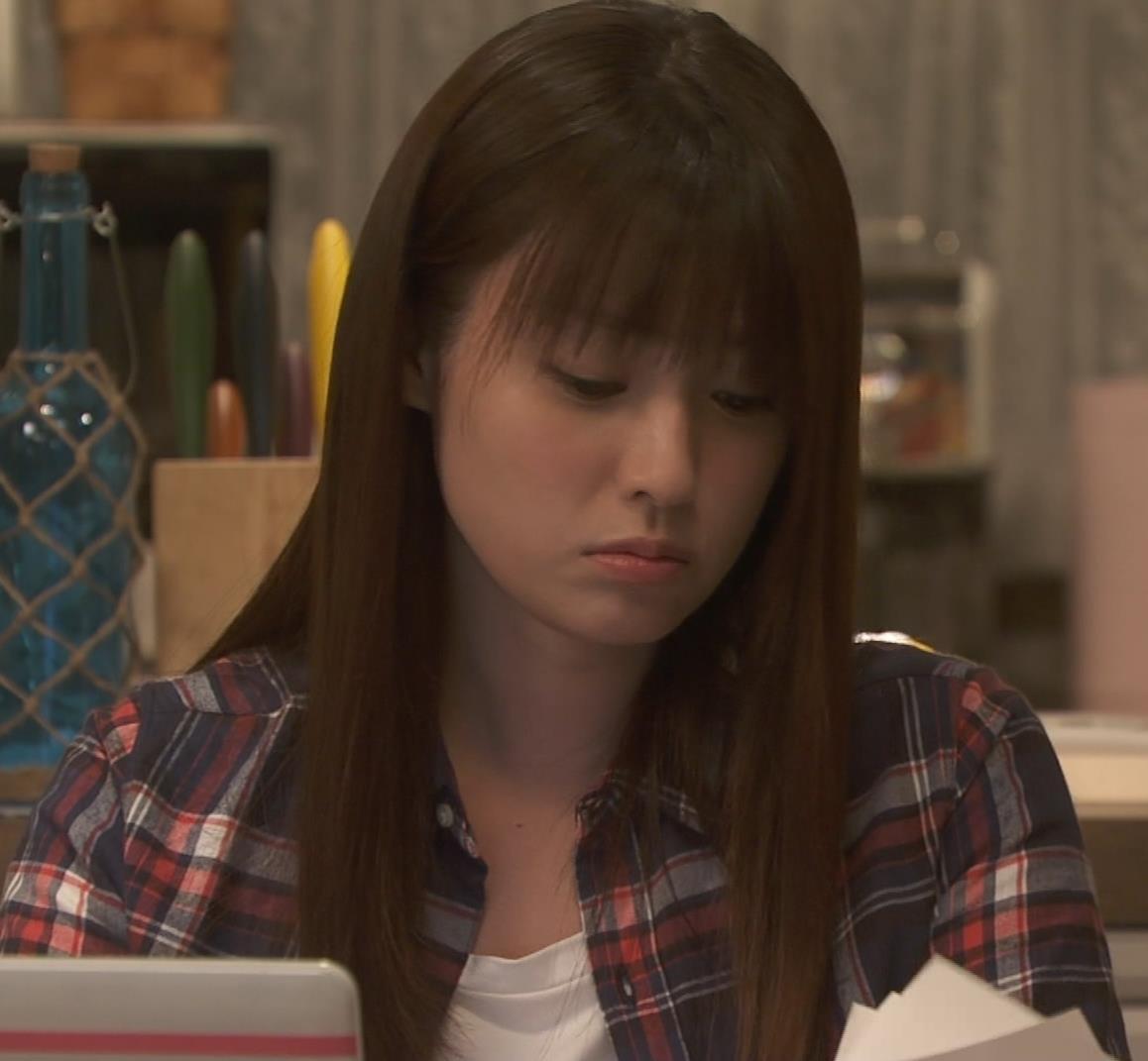 深田恭子 入浴で裸にバスタオル巻いだけキャプ・エロ画像5