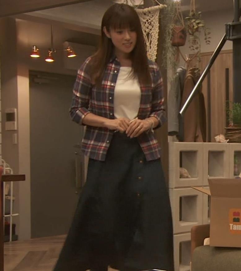 深田恭子 入浴で裸にバスタオル巻いだけキャプ・エロ画像6