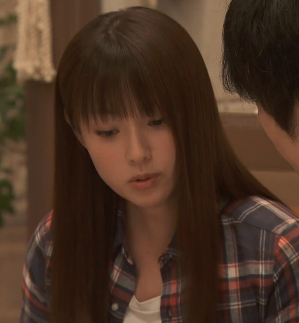 深田恭子 入浴で裸にバスタオル巻いだけキャプ・エロ画像8