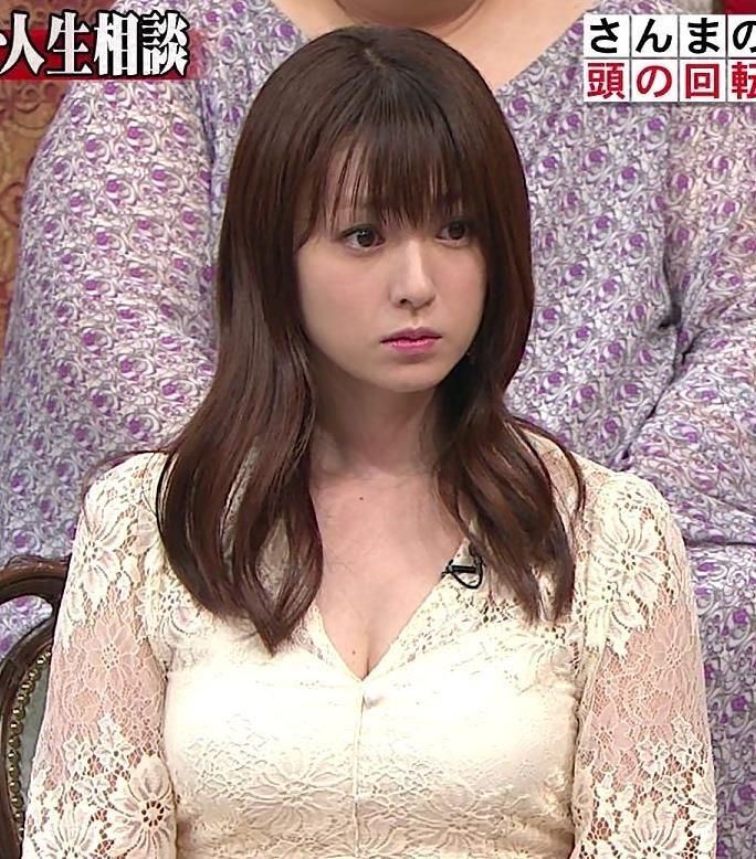 深田恭子 胸の谷間見せムチムチ衣装キャプ・エロ画像8