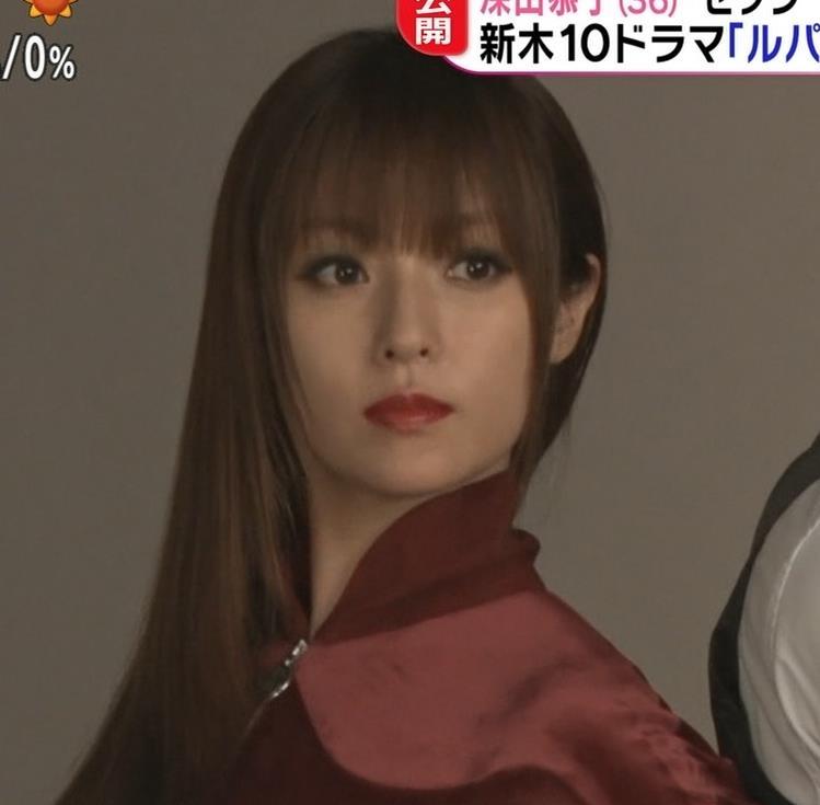 深田恭子 エロいドラマが始まるみたい「ルパンの娘」キャプ・エロ画像