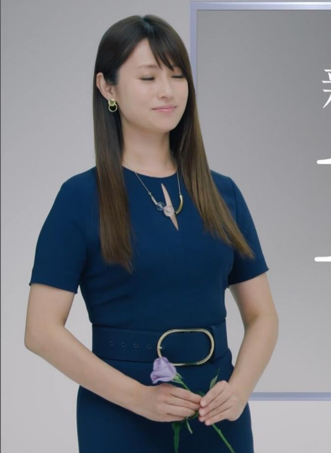 深田恭子 BS4K8Kの宣伝の衣装は体のラインがクッキリでてエロ過ぎキャプ・エロ画像3