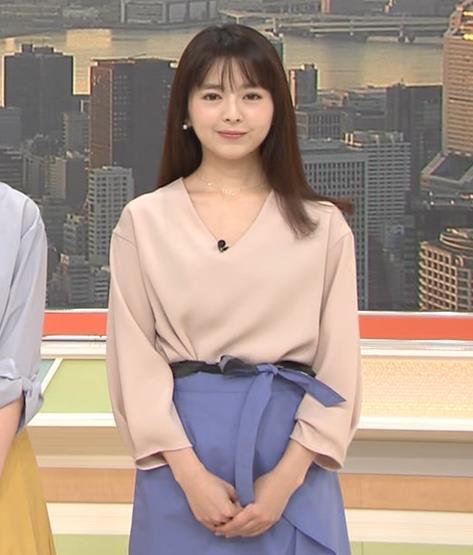 福田成美アナ 胸元がエロいお辞儀キャプ・エロ画像2