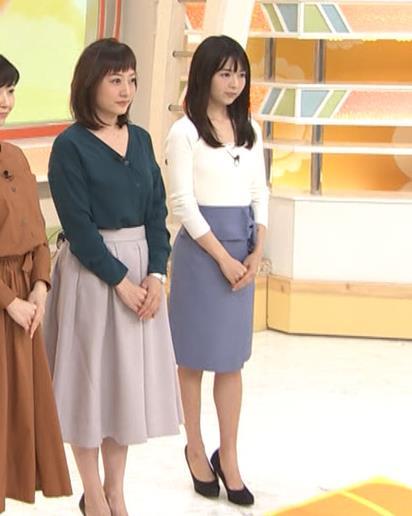福田成美 お辞儀の胸元がエロいキャプ・エロ画像