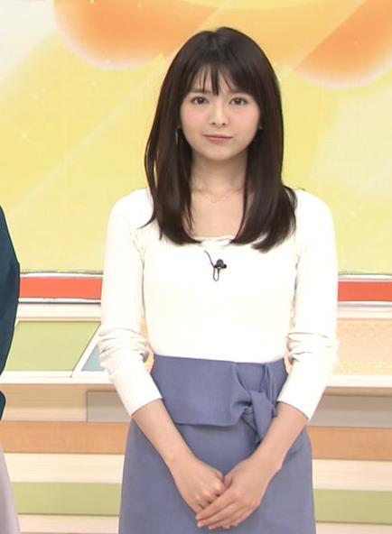 福田成美 お辞儀の胸元がエロいキャプ・エロ画像2