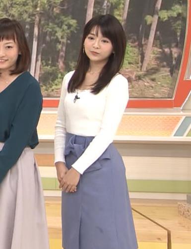 福田成美 お辞儀の胸元がエロいキャプ・エロ画像4