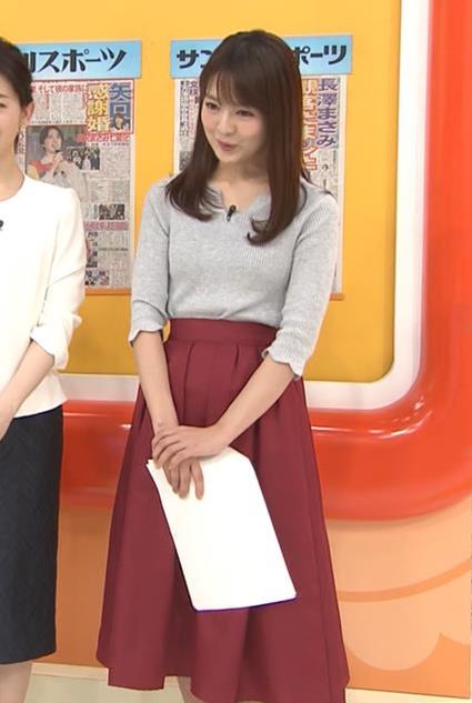 福田成美アナ 柔らかそうなニットおっぱい♡キャプ・エロ画像4