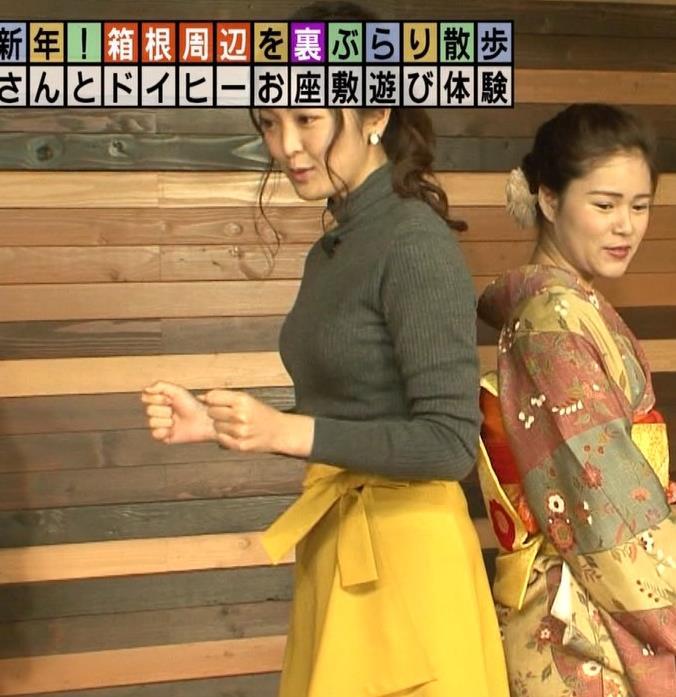 福田典子アナ 「モヤさま」でニットおっぱい♡キャプ・エロ画像2