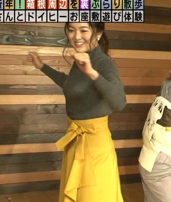 福田典子アナ 「モヤさま」でニットおっぱい♡キャプ・エロ画像3