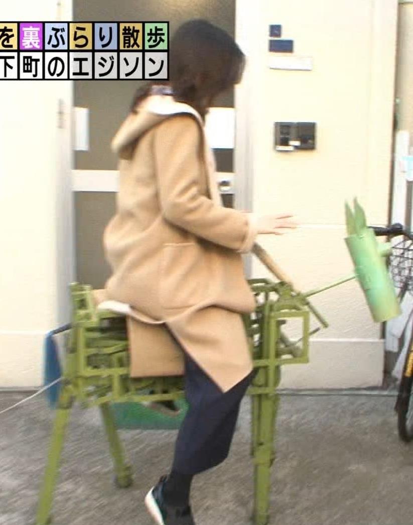 福田典子アナ 胸を触られまくるキャプ・エロ画像4