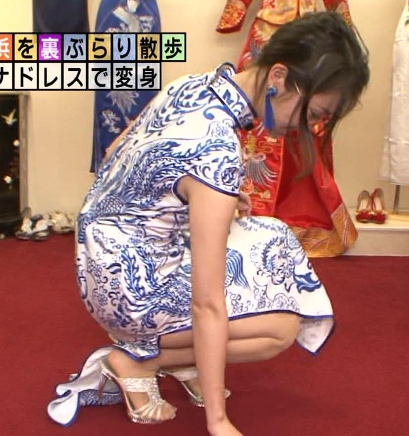 福田典子アナ 激エロ!チャイナドレス!脚&おっぱい!!キャプ・エロ画像11