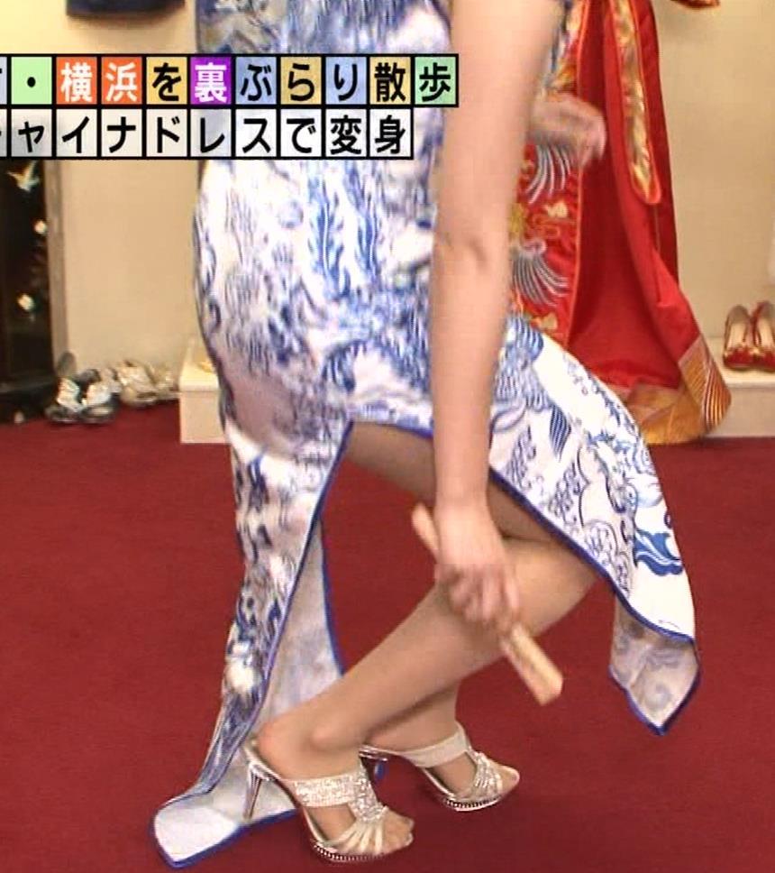 福田典子アナ 激エロ!チャイナドレス!脚&おっぱい!!キャプ・エロ画像12
