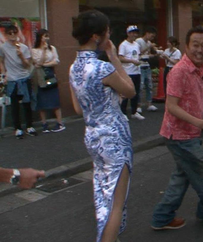 福田典子アナ 激エロ!チャイナドレス!脚&おっぱい!!キャプ・エロ画像19