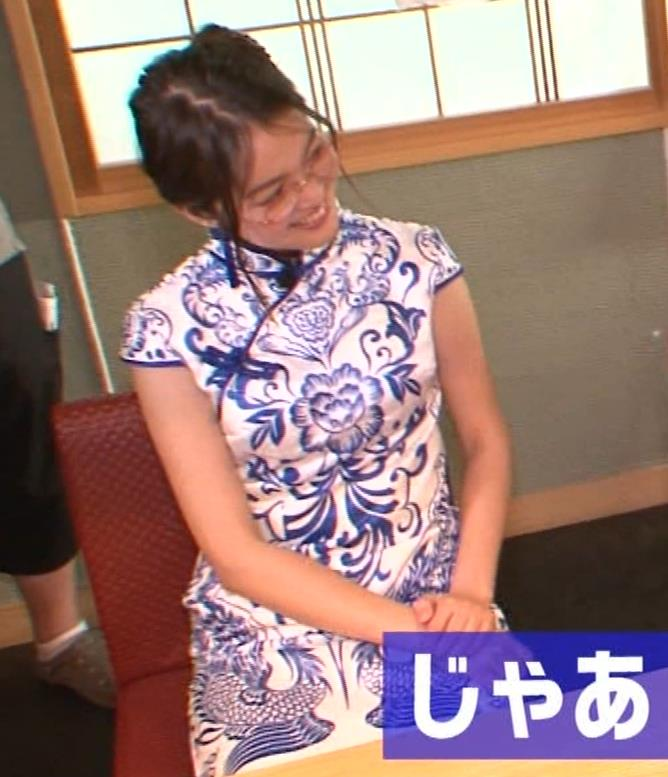 福田典子アナ 激エロ!チャイナドレス!脚&おっぱい!!キャプ・エロ画像22