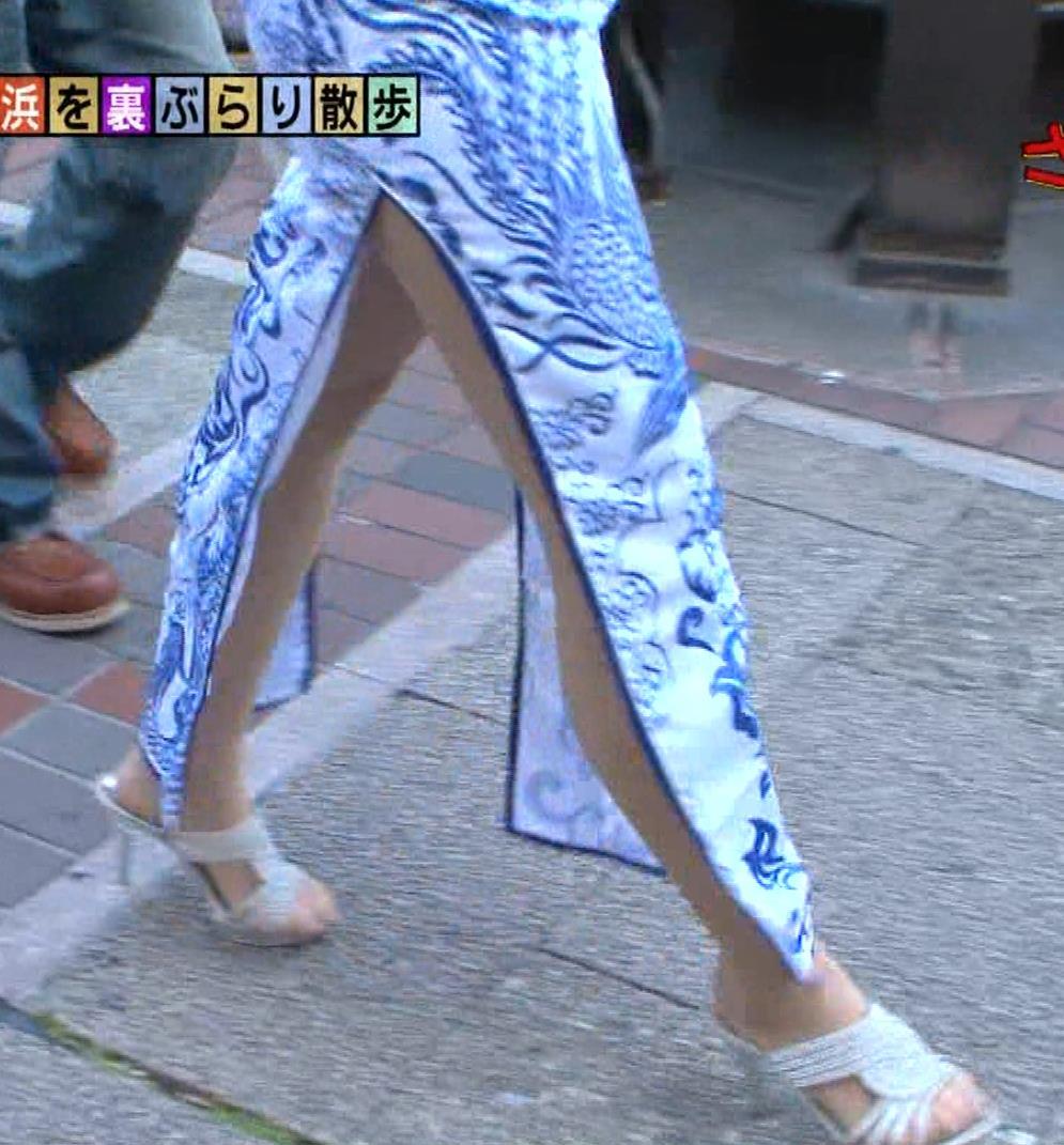 福田典子アナ 激エロ!チャイナドレス!脚&おっぱい!!キャプ・エロ画像34