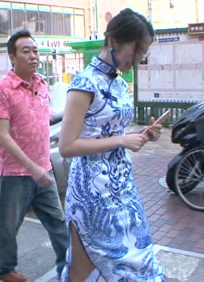 福田典子アナ 激エロ!チャイナドレス!脚&おっぱい!!キャプ・エロ画像36