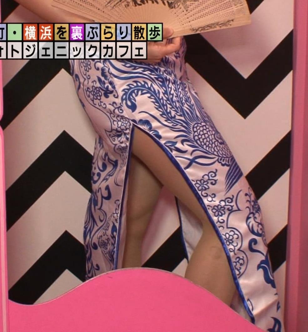 福田典子アナ 激エロ!チャイナドレス!脚&おっぱい!!キャプ・エロ画像45