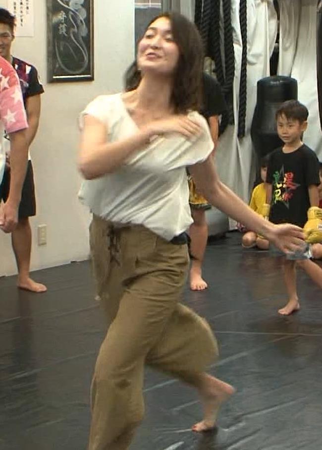 福田典子アナ 毎週のようにエロい事をさせられる番組キャプ・エロ画像9
