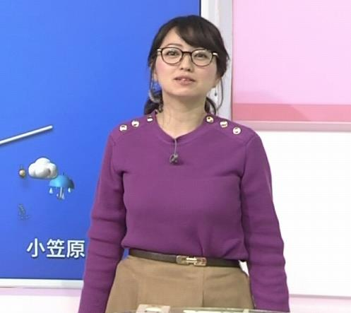 福岡良子 緩めでも目立つニット横乳キャプ・エロ画像6