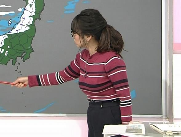 福岡良子 ボーダー柄のニットはさらに巨乳が目立つキャプ・エロ画像5