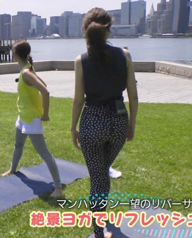 藤井サチ 股間とお尻がエロいヨガ衣装姿キャプ・エロ画像13