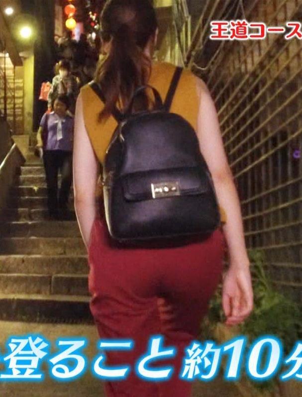 藤井サチ 激痛足つぼマッサージで太ももチラキャプ・エロ画像11